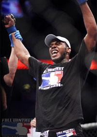 Jon Jones signs new four-fight UFC contract
