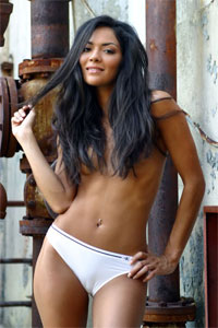 Sarah Ponce may have just signed with Strikeforce…and she's hot