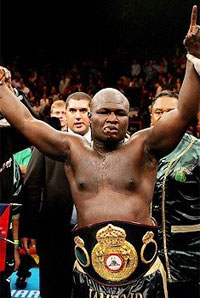 James Toney has tapped out King Mo in training, yes you read that right