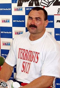 Don Frye says he wasn't an athlete, just a 'raw boned guy'