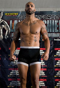 Mike Kyle will replace Valentijn Overeem at Strikeforce: Henderson vs. Babalu