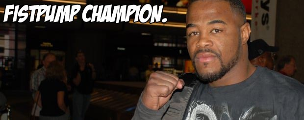Rashad Evans is training for Shogun with his Shake Weight