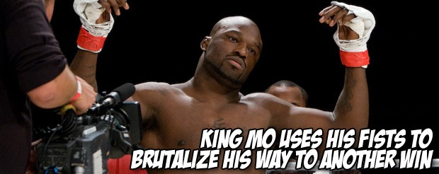 King Mo uses his fists to brutalize his way to another win