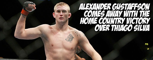 Alexander Gustaffson comes away with the home country victory over Thiago Silva