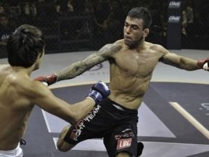 This is how Leandro Issa and Mitch Chilson cut weight just before the ONE FC: Rise of Kings weigh-in