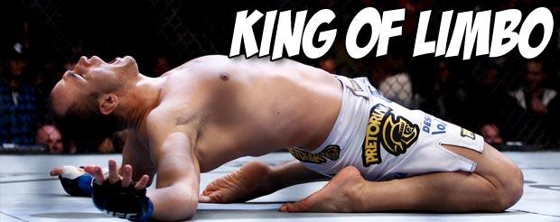 Watch Junior dos Santos hit pads in his locker room in Vegas, and be afraid