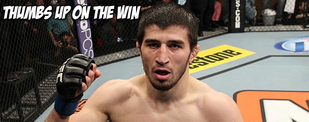 Rustam Khabilov just delivered Yancy Medeiros his first loss via suplex to the thumb