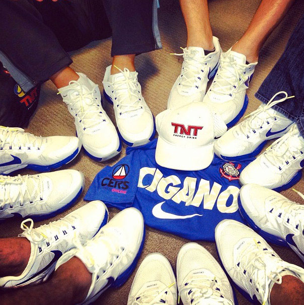 Check out the official Nike Junior dos Santos shoe