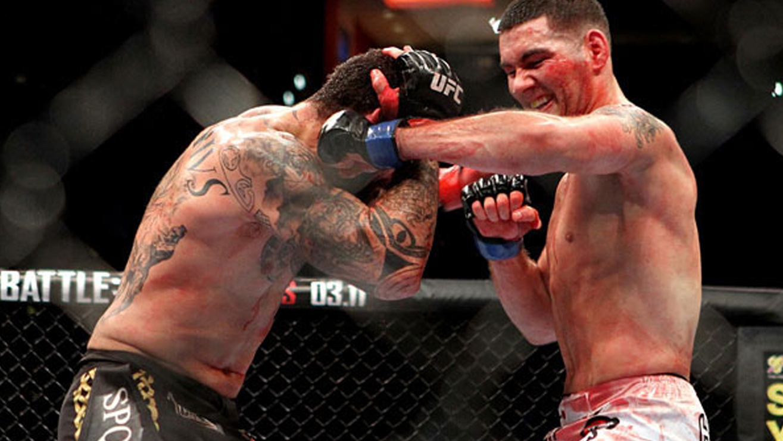 Chris-Weidman-vs.-Alessio-Sakara-UFC-On-Versus-3 Chris Weidman