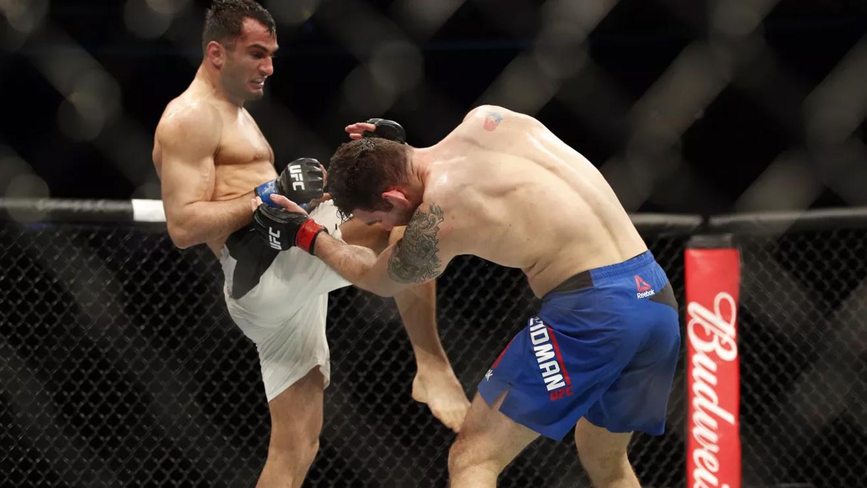 Gegard-Mousasi-Vs.-Chris-weidman-UFC-210 Chris Weidman