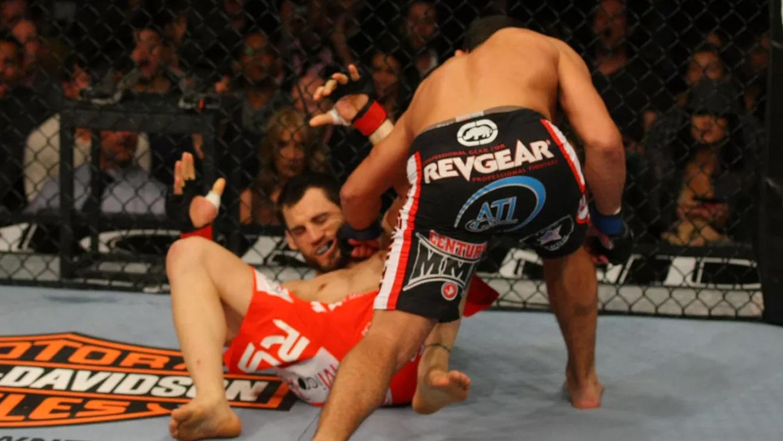 Johny-Hendricks-KO-Jon-Fitch-at-UFC-141 Johny Hendricks