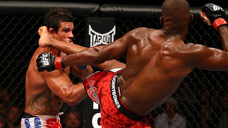 Jon-Jones-Def.-Vitor-Belfort-at-UFC-152 Vitor Belfort