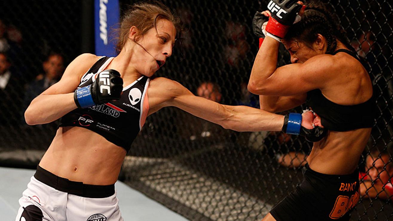 Juliana-Lima-Joanna-Jedrzejczyk-UFC-on-fox-12 Joanna Jedrzejczyk