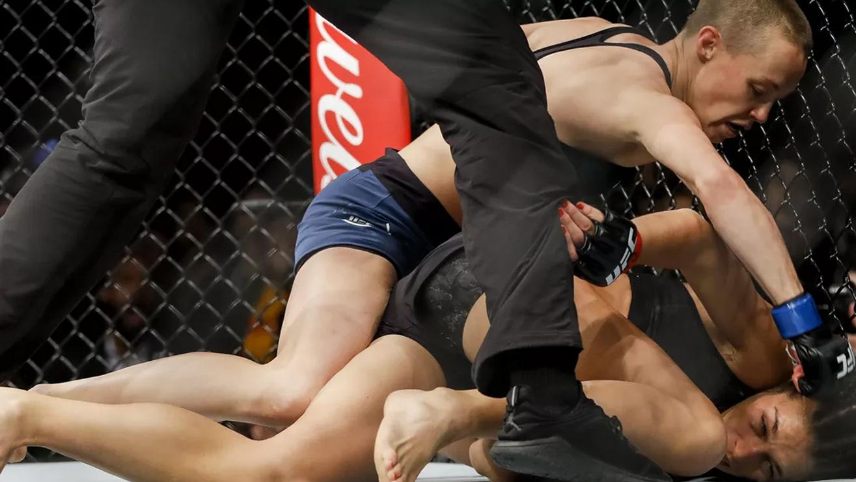 Rose-Namajunas-Joanna-Jedrzejczyk-UFC-217 Joanna Jedrzejczyk