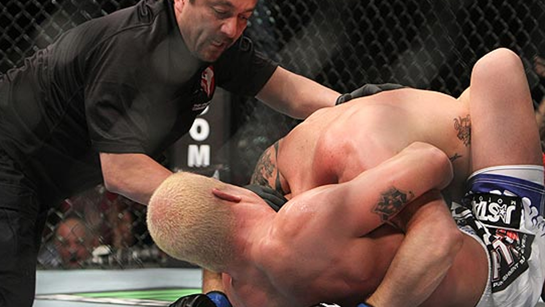 Tito-Ortiz-submits-Ryan-Bader-UFC-132 Tito Ortiz