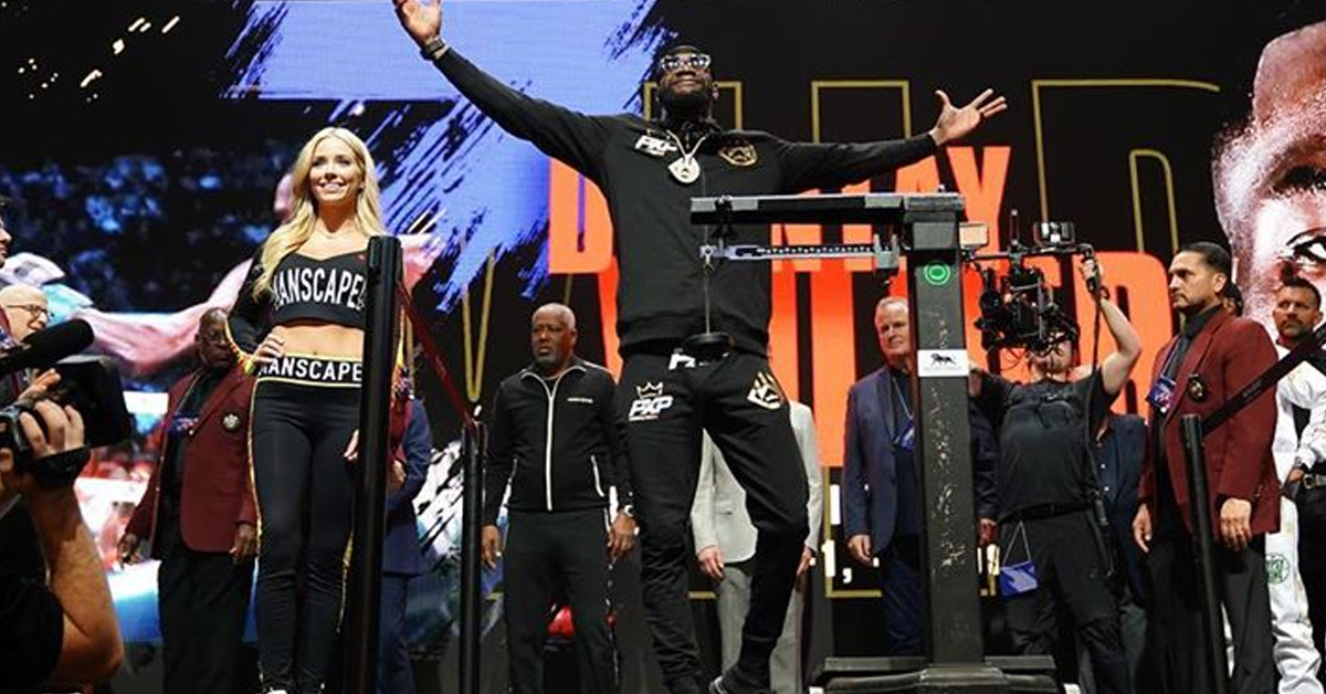 Deontay Wilder Trains with 45lb Vest on, Despite Wardrobe Excuse
