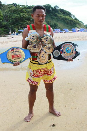 Saenchai, the Man of Many Belts