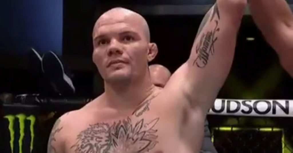 UFC Vegas 15 Results: Anthony Smith Taps Out Devin Clark With First Round Triangle! (Highlights)