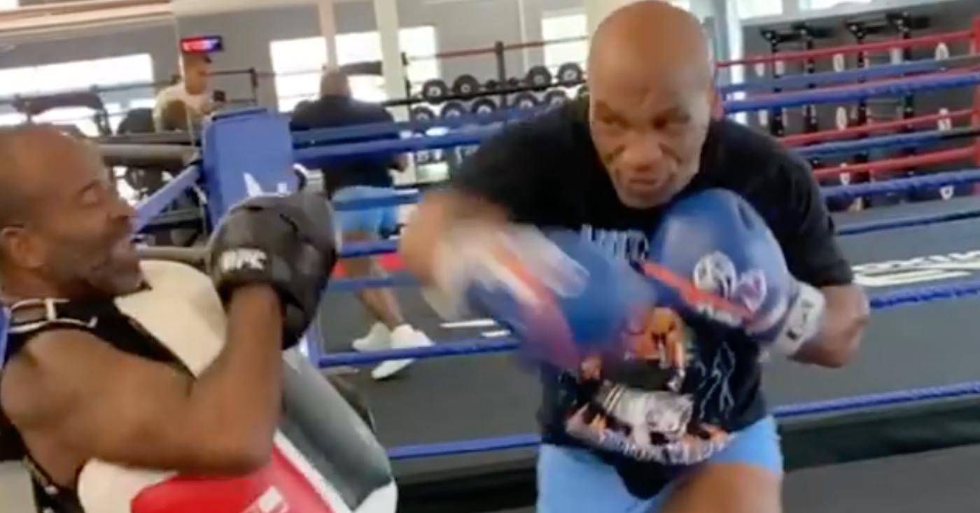 Coach: Mike Tyson Going For Finish Against Roy Jones Jr. Despite Ruleset