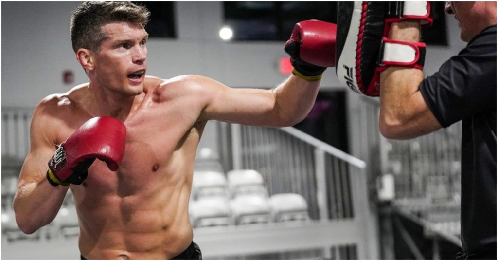 """Stephen """"Wonderboy"""" Thompson Calls Khamzat Chimaev's Promotion """"A Slap in the Face"""" to Hard Working Fighters"""